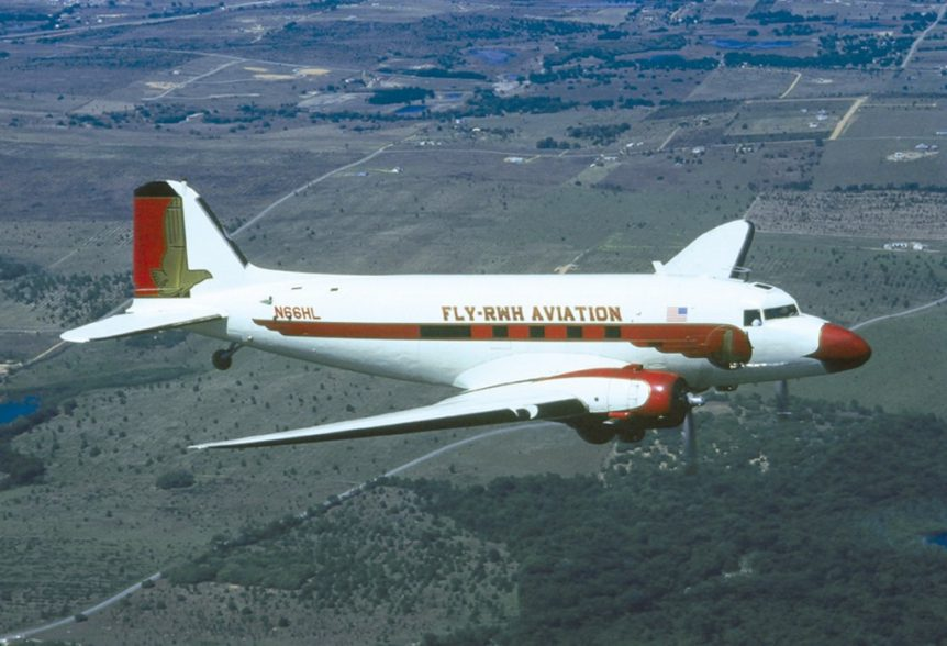 dc-3_flying_large-1024x698